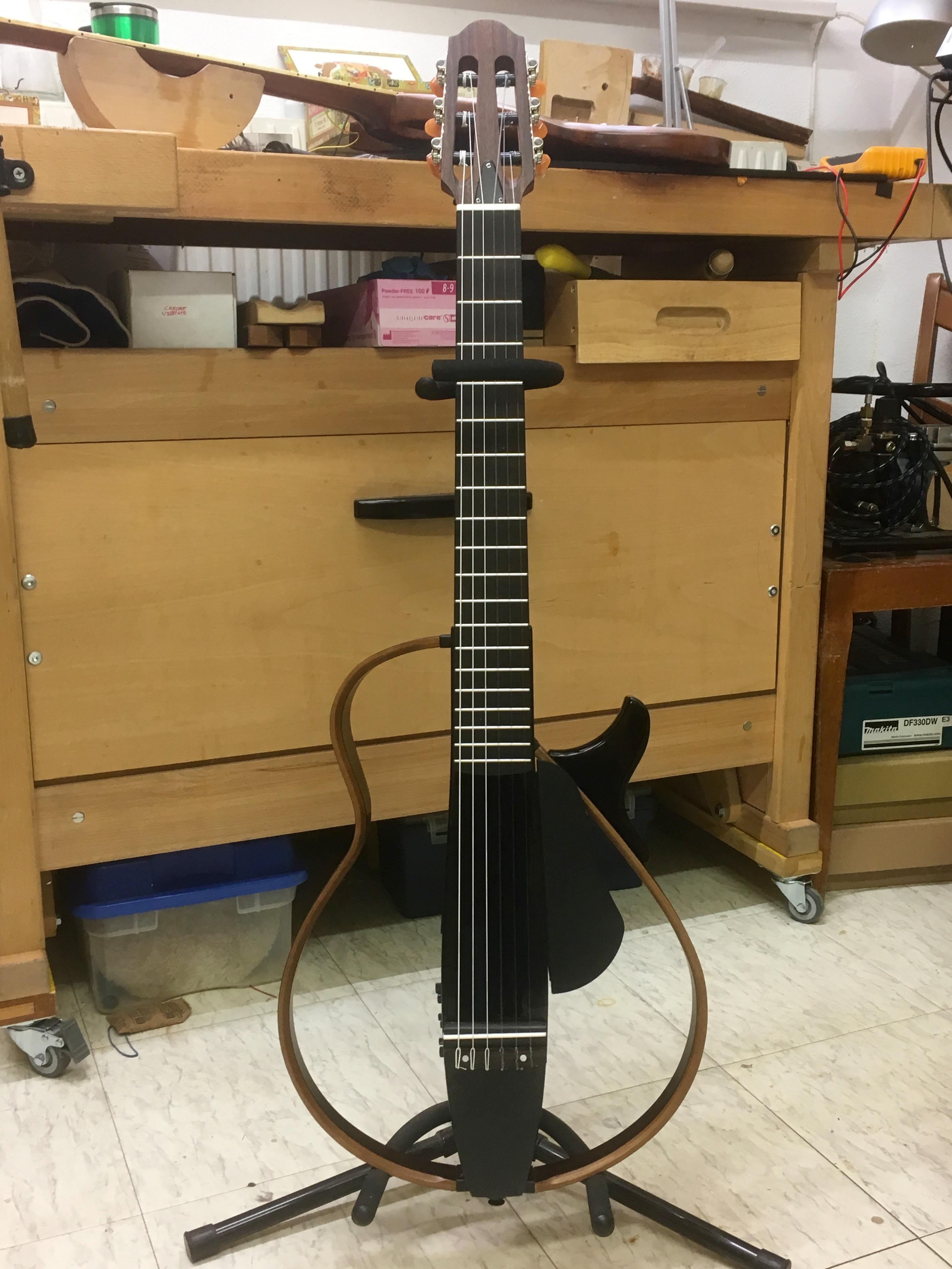 Yamaha silent guitar