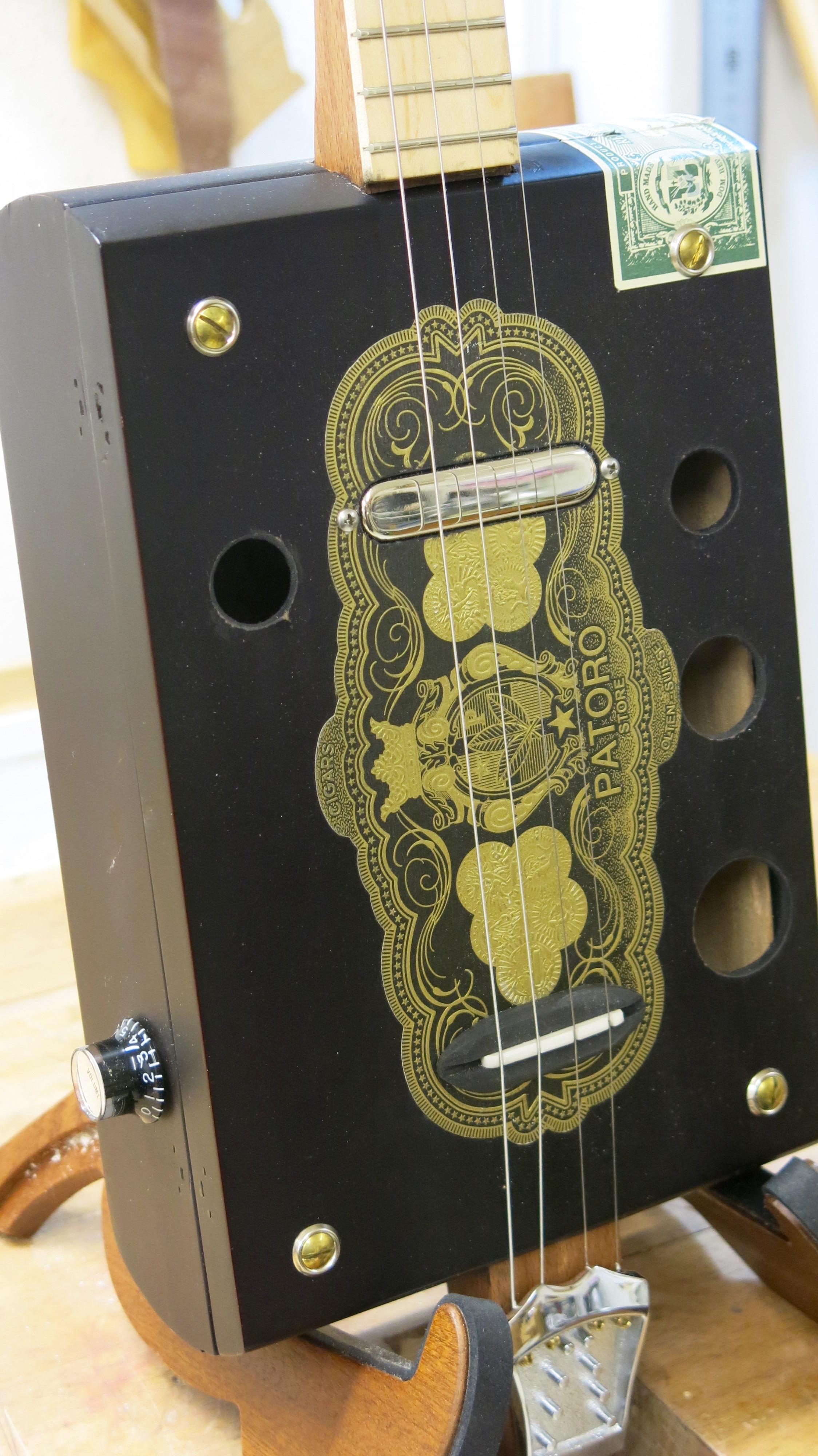 Cigar Box Guitar sur la SRF